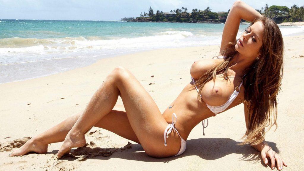 privates urlaubsfoto von nacktem camluder am strand